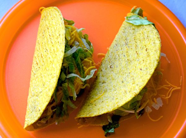 Two delicious tacos on a plate